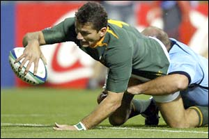 Joost van der Westhuizen scores a try for South Africa