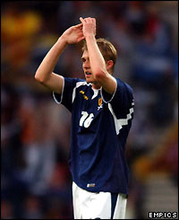 Darren Fletcher salutes the fans