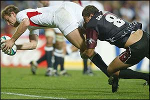 Will Greenwood goes over for his second try