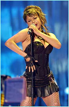 Singer Blu Cantrell gave a great performance live on stage