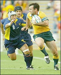 Joe Roff scores for Australia