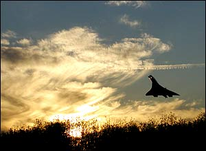 Concorde take-off from Heathrow on Saturday 18 October 2003, by Karen Dutton from the UK