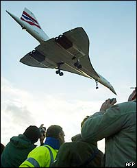 Concorde comes in to land