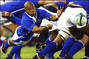 Samoa's Steven So Oialo feeds from the scrum