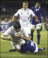 Phil Vickery scores his first try in an England shirt