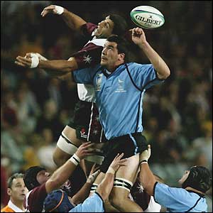 Rodrigo Capo (right) attempts to win a line-out ball for Uruguay