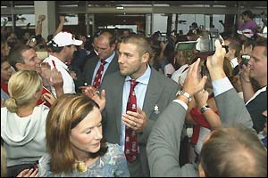 Wing Ben Cohen leaves the England team hotel
