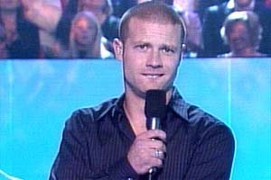 Dermot O'Leary introduces the show