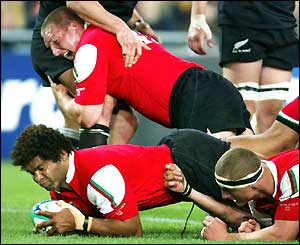 Wales fight back in spectacular style