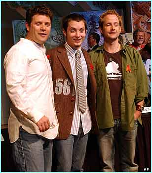 Here Elijah is with fellow hobbits Sean Astin, who played Samwise Gamgee, and Billy Boyd who starred as Pippin Took
