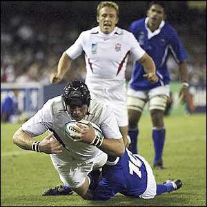 Phil Vickery scores against Samoa