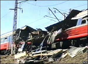 Wreckage of Russian commuter train