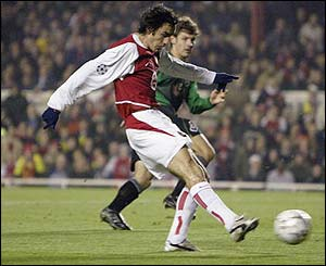 Robert Pires scores for Arsenal