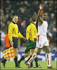 Patrick Vieira salutes the Highbury faithful