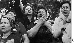 30 de abril de 1977: Las Madres de Plaza de Mayo iniciaron sus marchas semanales para reclamar la verdad y Justicia.