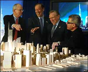 From left: Architect David Childs, New York Governor George Pataki, World Trade Center leasholder Larry Silverstein, and architect Daniel Libeskind