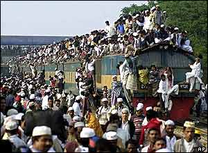 Devotees leaving Tongi by train