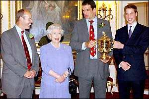 Woodward is to be knighted in 2004