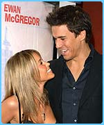 Rachel and Jeremy at a film premiere in October 2003