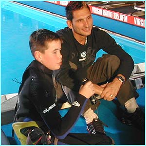 Before Daniel competes, he interviews World Indoor Windsurfing Champion, Nik Baker, for Newsround