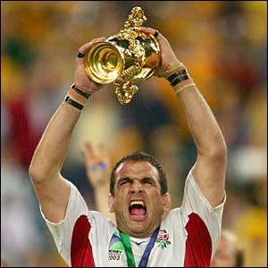 Martin Johnson hold aloft the William Webb Ellis trophy after England win the 2003 Rugby World Cup