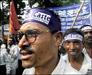 Low-caste Hindus march in Bombay