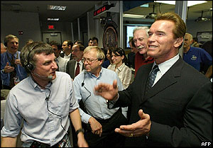 Steve Squyres and Arnold Schwarzenegger at mission control, AFP