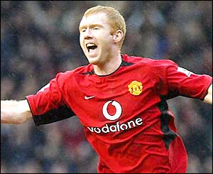 Paul Scholes celebrates scoring Man Utd's second