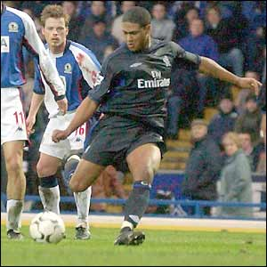 Glen Johnson blasts in Chelsea's winner