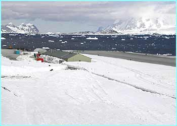 This is the Bonner laboratory where the scientists at Rothera do all their experiments