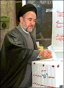 Iran's reformist president Mohammad Khatami votes in the parliamentary elections