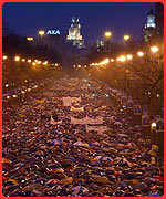 Millions of demonstrators against the attacks marched in the streets of Madrid