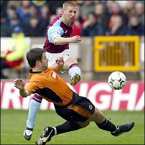 Thomas Hitzlsperger strikes Aston Villa's first goal at Molineux