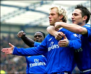 Eidur Gudjohnsen takes the acclaim after his early goal