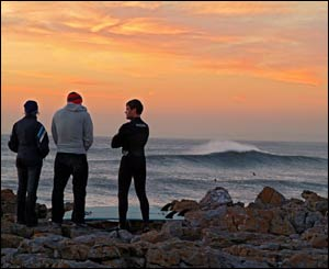 Surfers enjoying the sunset at a chilly Rest Bay, Porthcawl (Gerwyn Gibbs)