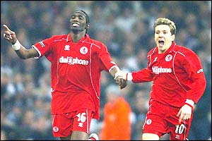 Joseph-Desire Job celebrates his goal with Juninho