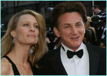 Best actor winner Sean Penn with his wife Robin