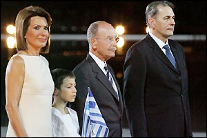Organiser Gianna Angelopoulos-Daskalaki (left) with Greek president Constantinos Stephanopoulos