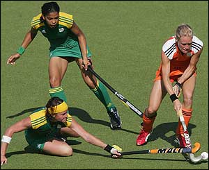Holland open the women's hockey tournament