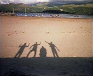 Roberto Castro and other Mexican friends enjoying the sun in Barmouth