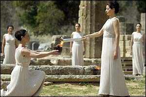 Greek actress Thalia Prokopiou recreates the ancient ceremony at the Temple of Hera
