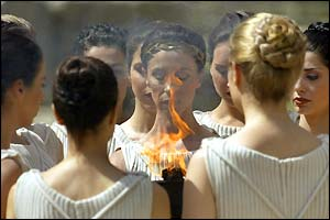 Actresses recreate the ancient ceremony at the Temple of Hera