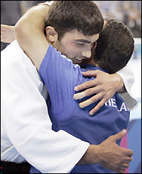 http://news.bbc.co.uk/media/images/39965000/jpg/_39965842_iliadis_getty200.jpg