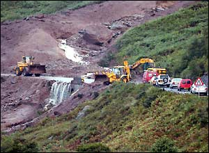 In Pictures: Scotland landslide