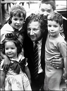 Sir Peter Ustinov with Suzanne Cloutier and their children