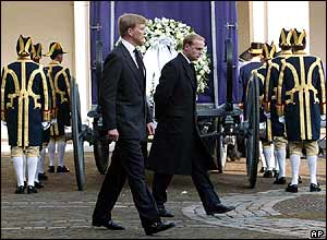 Dutch princes walk by the royal hearse