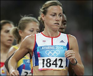 Hayley Tullett and Kelly Holmes go through to the next round of the 1500m