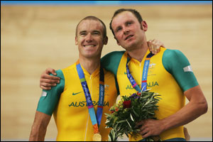 Stuart O'Grady and Graeme Brown of Australia pose with their gold medals