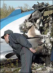 Investigator at scene of Tu-154 crash