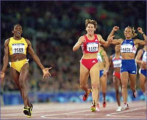 Despite a lack of training Kelly took on the field in the 800m and took bronze behind her then training partner Maria Mutola.